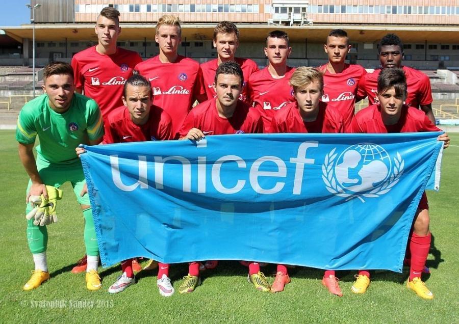 Dorastenci AS Trenčín úspešne zarezávajú na turnaji U 19 v Prahe, foto 1