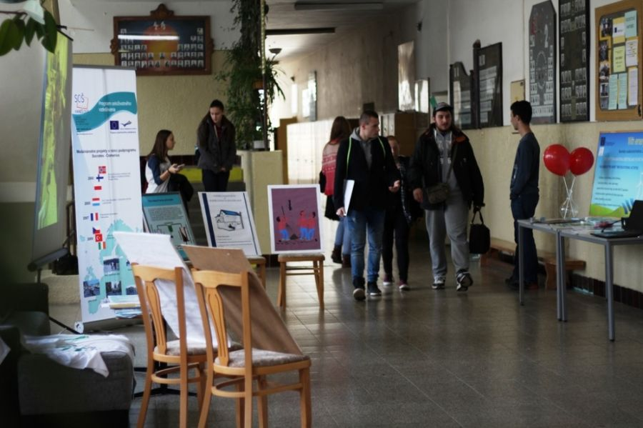 Handlovské dni techniky boli lákadlom pre študentov základných a stredných škôl, foto 1