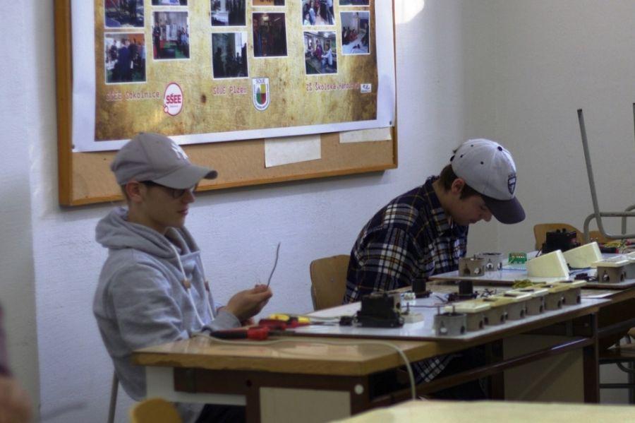 Handlovské dni techniky boli lákadlom pre študentov základných a stredných škôl, foto 6