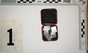 Trenčiansky policajti našli pri prehliadke ďalšie drogy, v tomto fentanylové náplasti a marihuanu