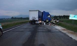 67-ročný vodič zahynul pri sobotnej zrážke troch áut neďaleko obce Trenčianske Stankovice